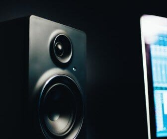 best bookshelf speakers under $200 - inpost featured image